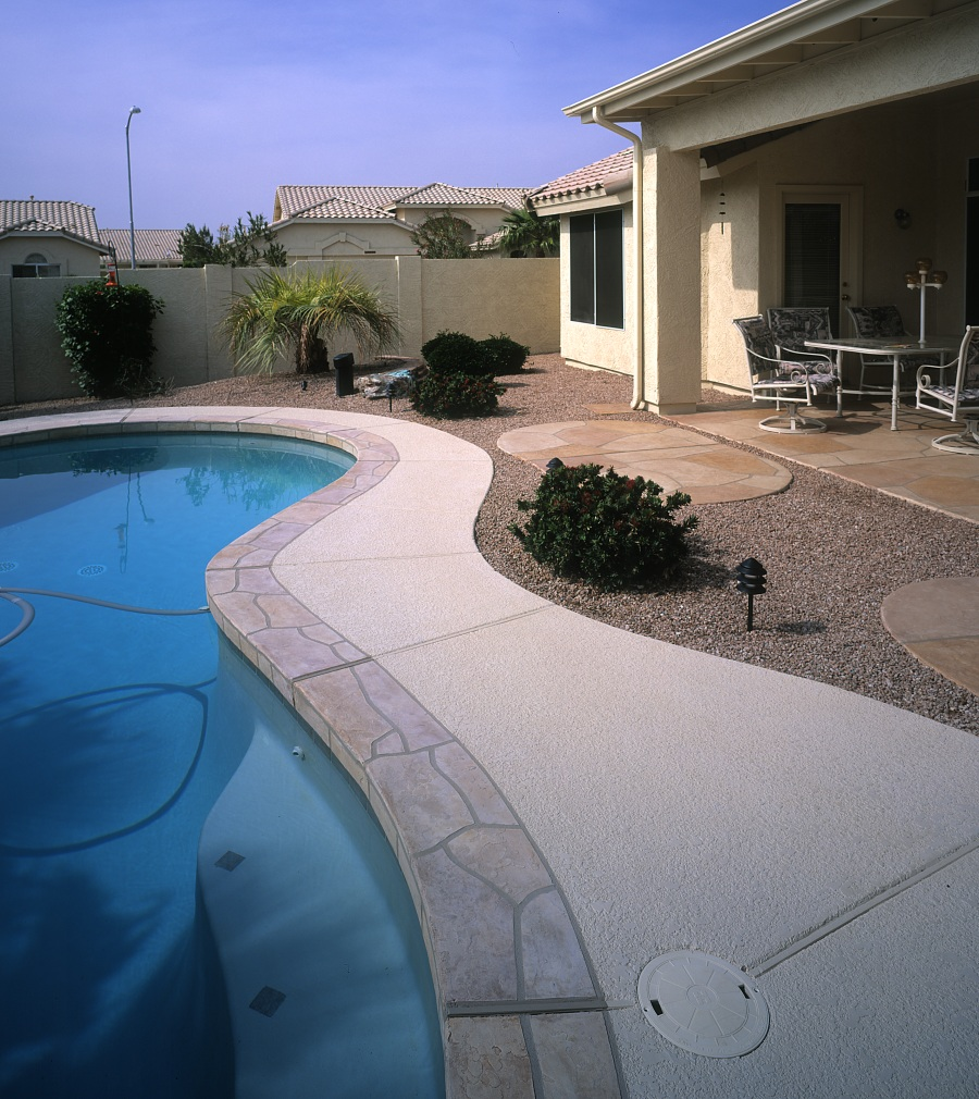 Acrylic Lace Pool Deck with BU-RU-Flagstone Border-3